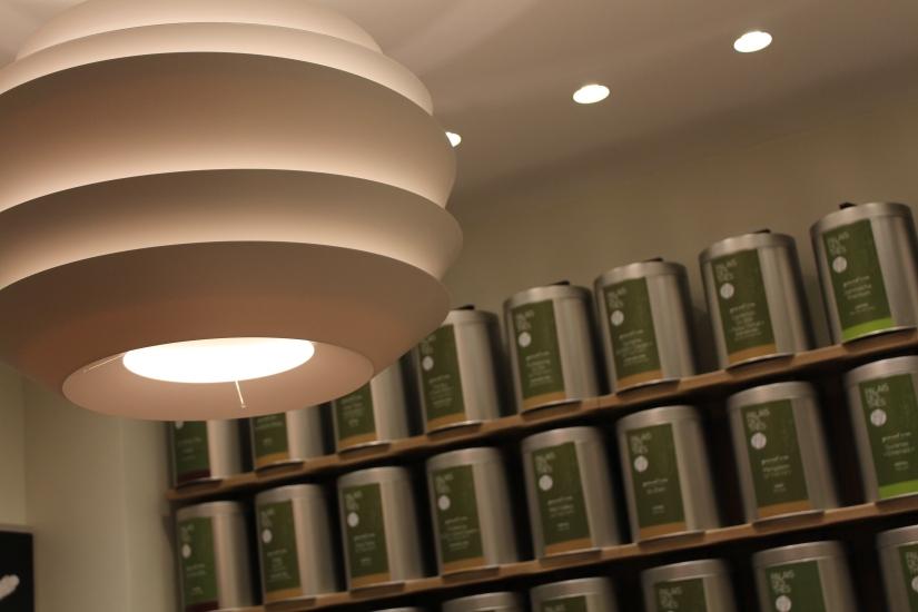 boutique-palais-des-thés-bordeaux-cours-intendance-lustre-zen-lumineux