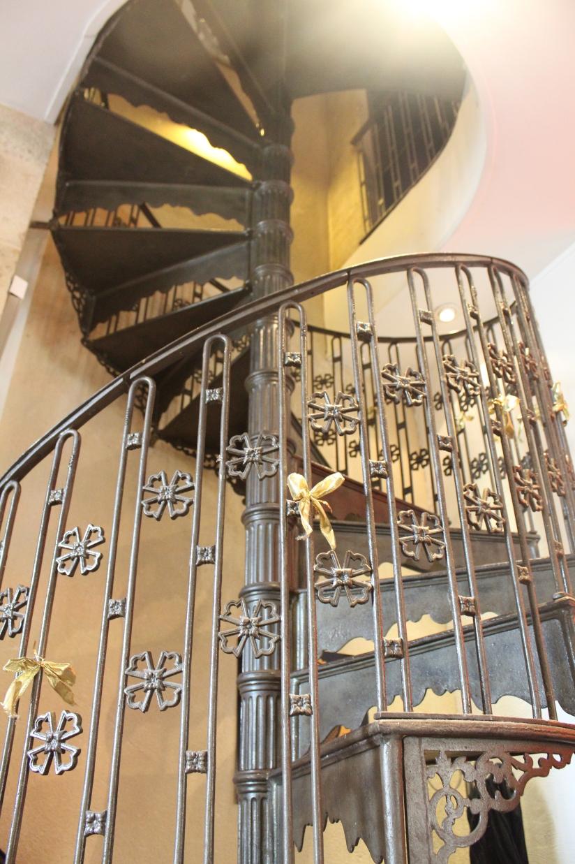 escalier-anyteas-interieur-bordeaux-salon-de-thé