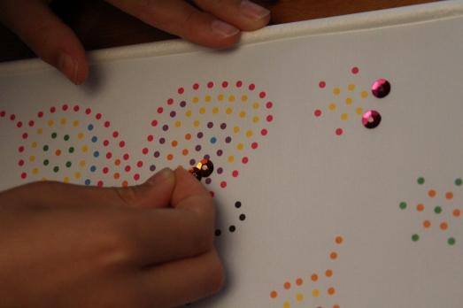 sentosphere-sequins-tableau-paillettes-papillon-fille-création-clou-code-couleur-exemple