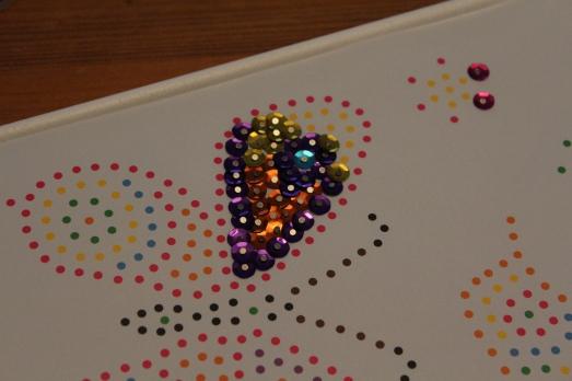 sentosphere-sequins-tableau-paillettes-papillon-fille-création-clou
