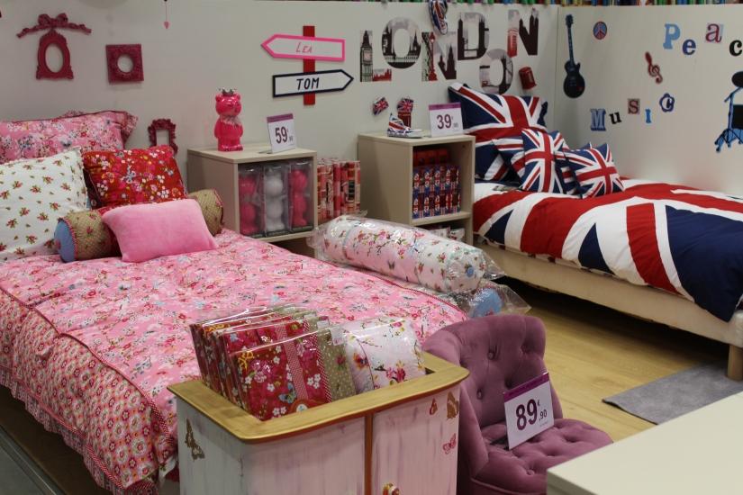 zodio-bordeaux-bègles-décoration-magasin-maison-chambre-enfant-uk-anglais-british-drapeau-angleterre-rose-fille-lit