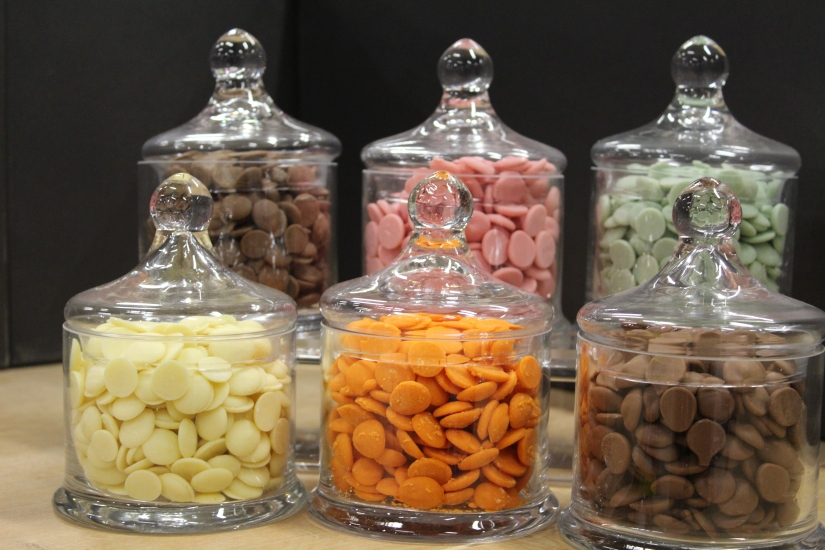 zodio-bordeaux-bègles-décoration-magasin-maison-chocolat-fondre-couleur-bonbon-culinaire-cuisine-patisserie