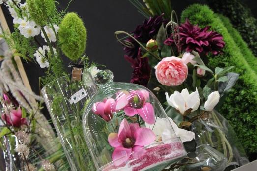 zodio-bordeaux-bègles-décoration-magasin-maison-fleur-composition-florale-artificielle-mariage-anniversaire-table-rose