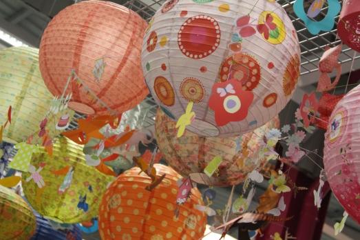 zodio-bordeaux-bègles-décoration-magasin-maison-lampadaire-boule-papier-japonaise-mobile-lumière-enfant-chambre