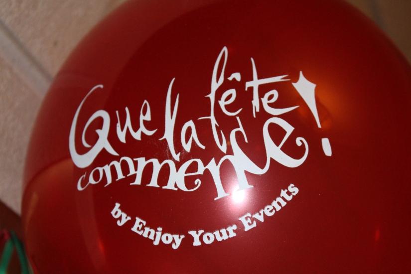 facade-entrée-grand-hotel-de-bordeaux-gouter-de-noel-brunch-enfant-evenement-organisateur-anniversaire-ballon