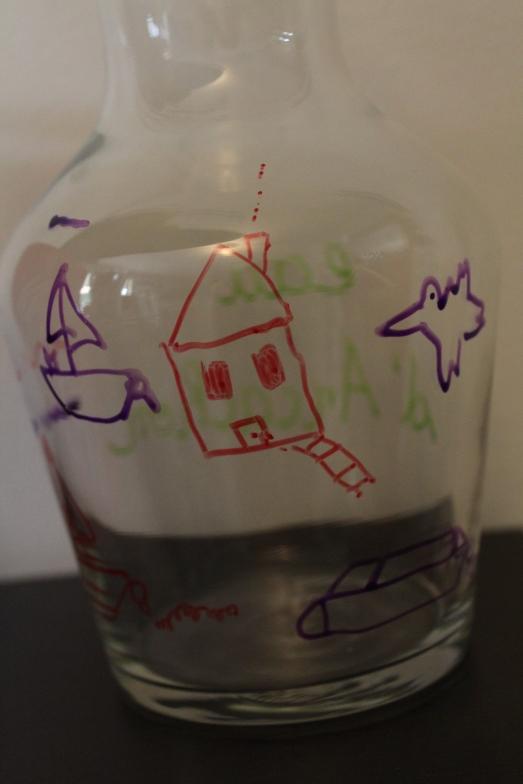 bouteille-carafe-verre-cadeau-personnaliser-peinture-fete-anniversaire-mamie-grand-mère-simple-eau-pichet