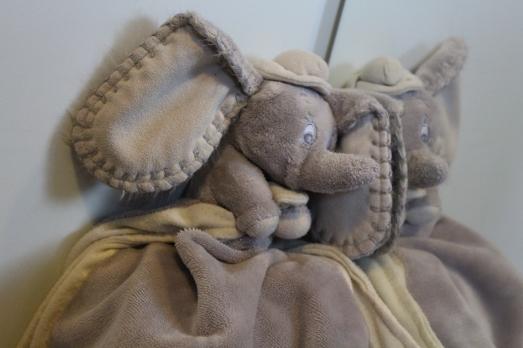 dumbo-disney-kiabi-doudou-peluche-dessin-animé-bébé-baby-dodo