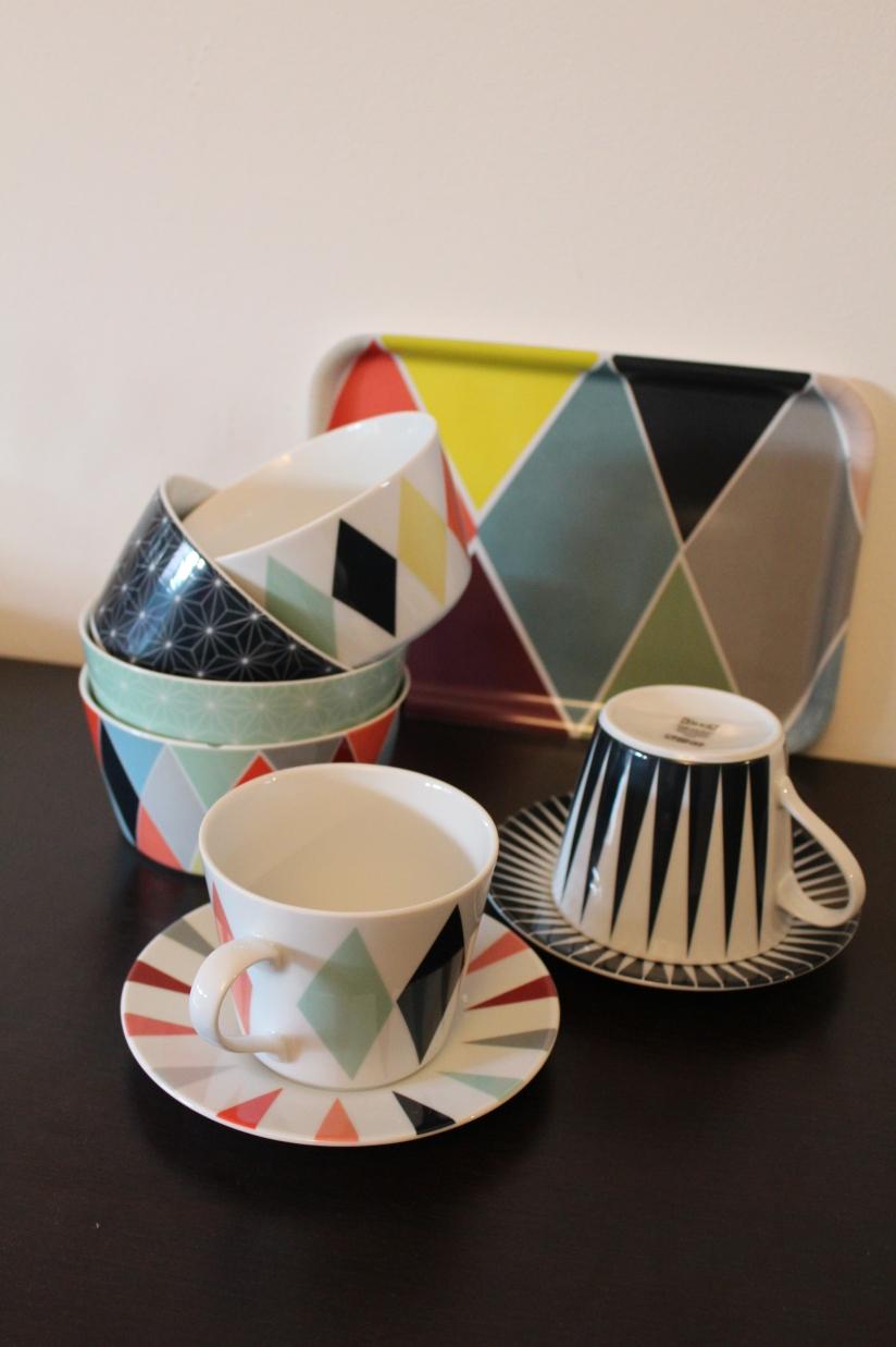 ikea-brakig-collection-capsule-edition-limitée-vaisselle-bordeaux-plateau