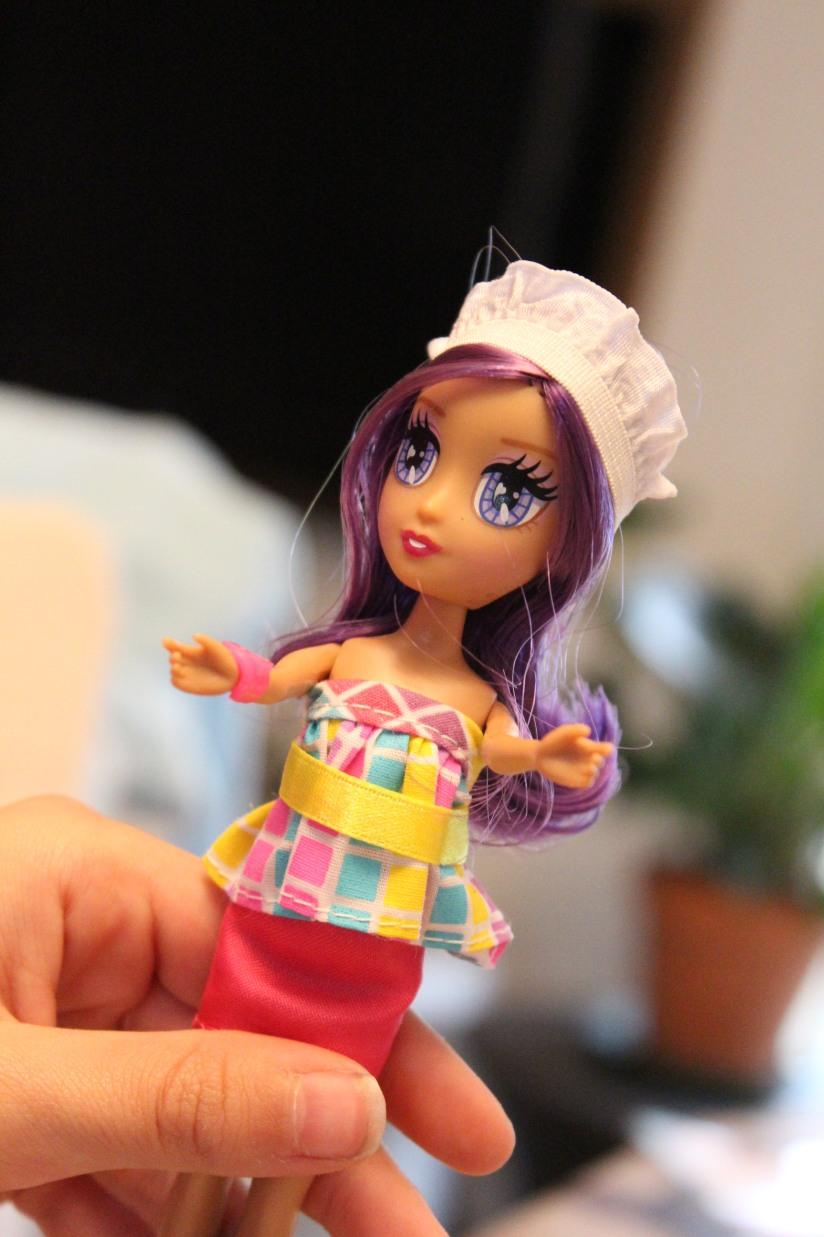 locksies-poupée-styliste-vetements-fille-mannequin-habiller-défilé-créer-création-art-coiffure-