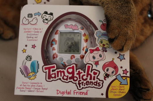 tamagotchi-bandai-jeu-animal-virtuel-pet-electronique-enfant-compagnie-filles-girly-friends-lorie-danse-chanteuse
