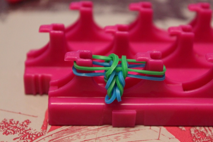 crazloom-bracelet-elastique-métier-tisser-fille-girl-fabriquer-jeu-jouet-cadeau-garçon-crazy-fish-modèle-débutant