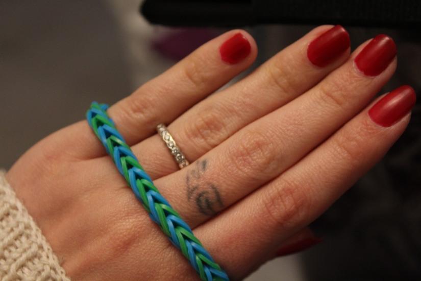 crazloom-bracelet-elastique-métier-tisser-fille-girl-fabriquer-jeu-jouet-cadeau-résultat-débutant-garçon-mode-diy