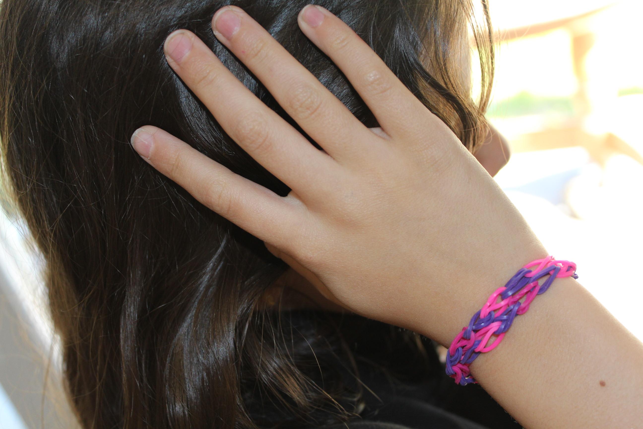 Cra z loom les bracelets lastiques fabriquer soi m me une id e 1000 possibilit s les - Comment faire les bracelet elastique ...