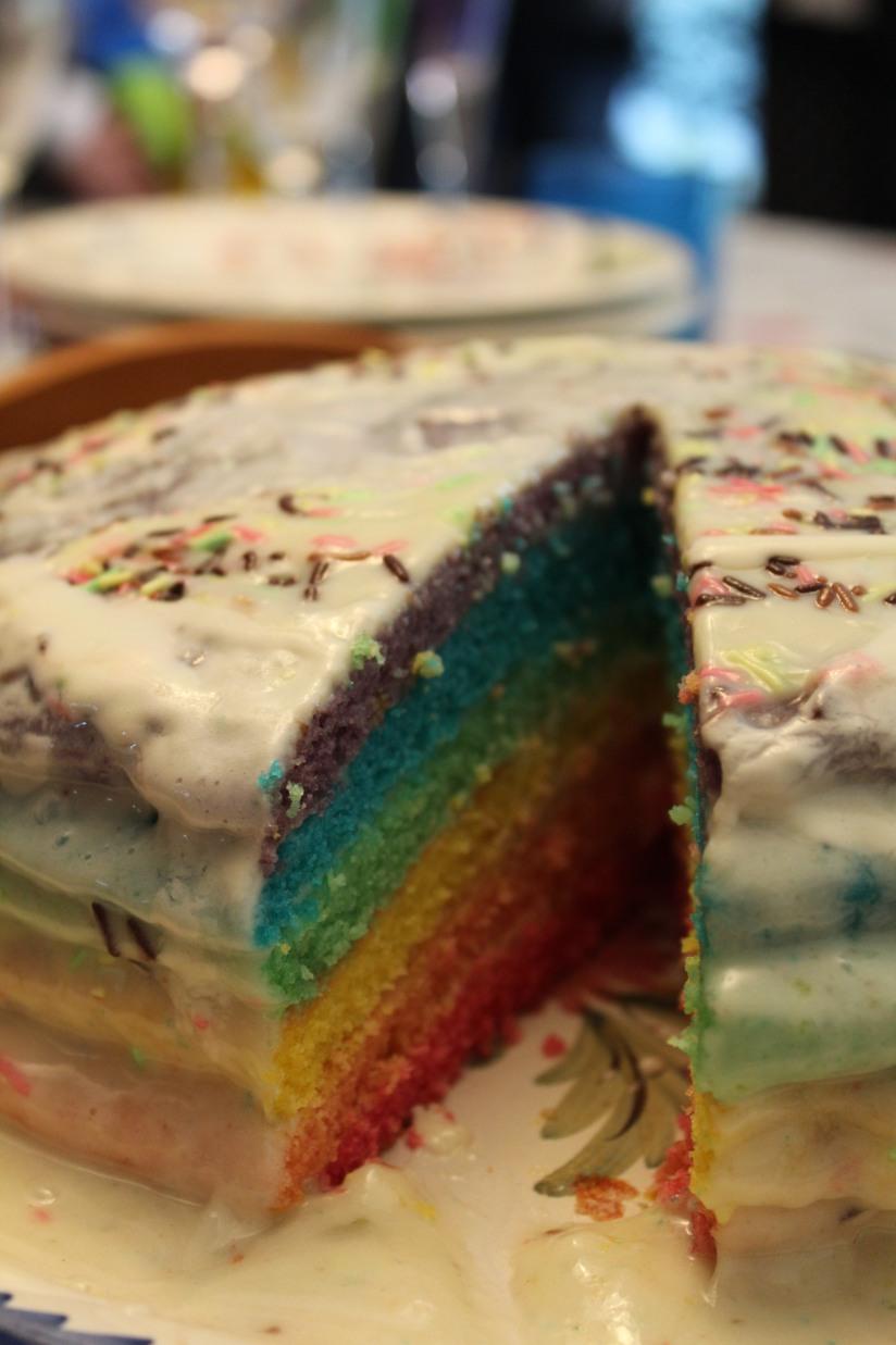 cupcake-rainbow-couleur-arc-en-ciel-gâteau-goûter-anniversaire-birthday-bonbon-couche