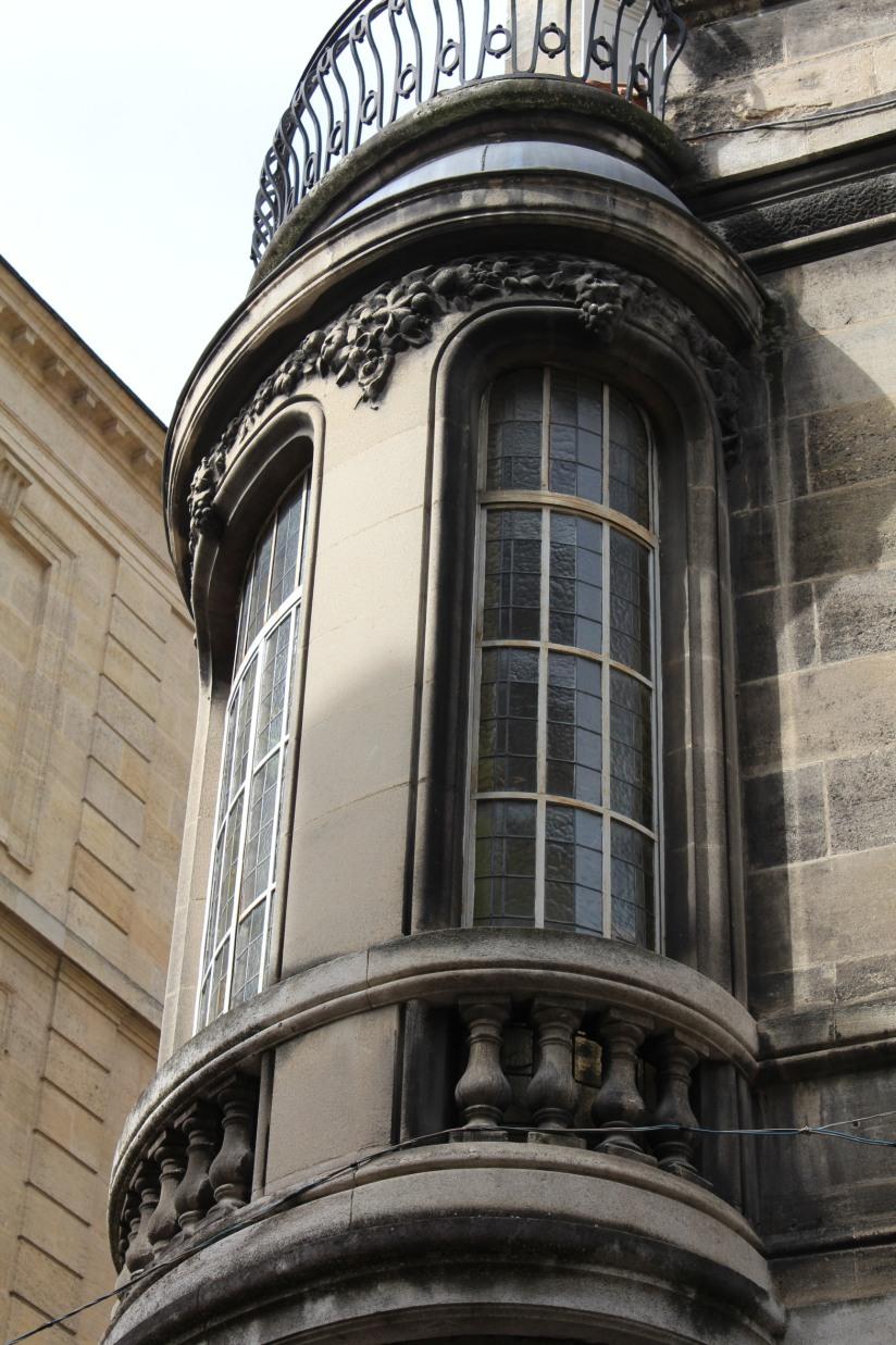 equipe-qui-veut-pister-bordeaux-enquete-balade-enigme-ville-visite-originale-bow-window