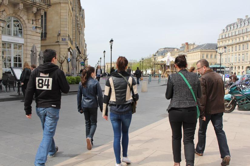 equipe-qui-veut-pister-bordeaux-enquete-balade-enigme-ville-visite-originale