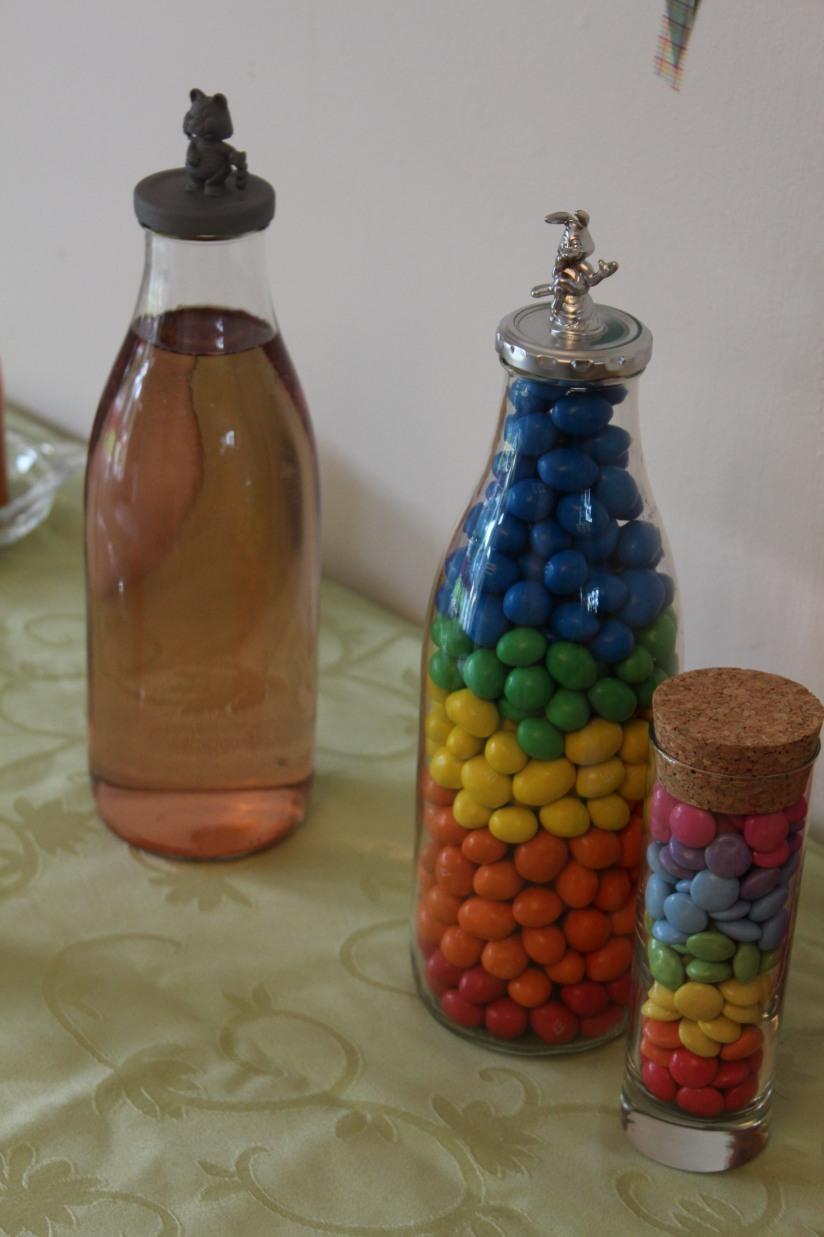 cupcake-rainbow-couleur-arc-en-ciel-gâteau-goûter-anniversaire-birthday-bonbon-chocolat-jus-smarties