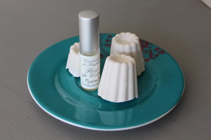 idee-cadeau-maman-fete-des-meres-caneles-gateaux-madeleine-macaron-platre-ceramique-parfum-ambiance-interieur-deco-diy-i