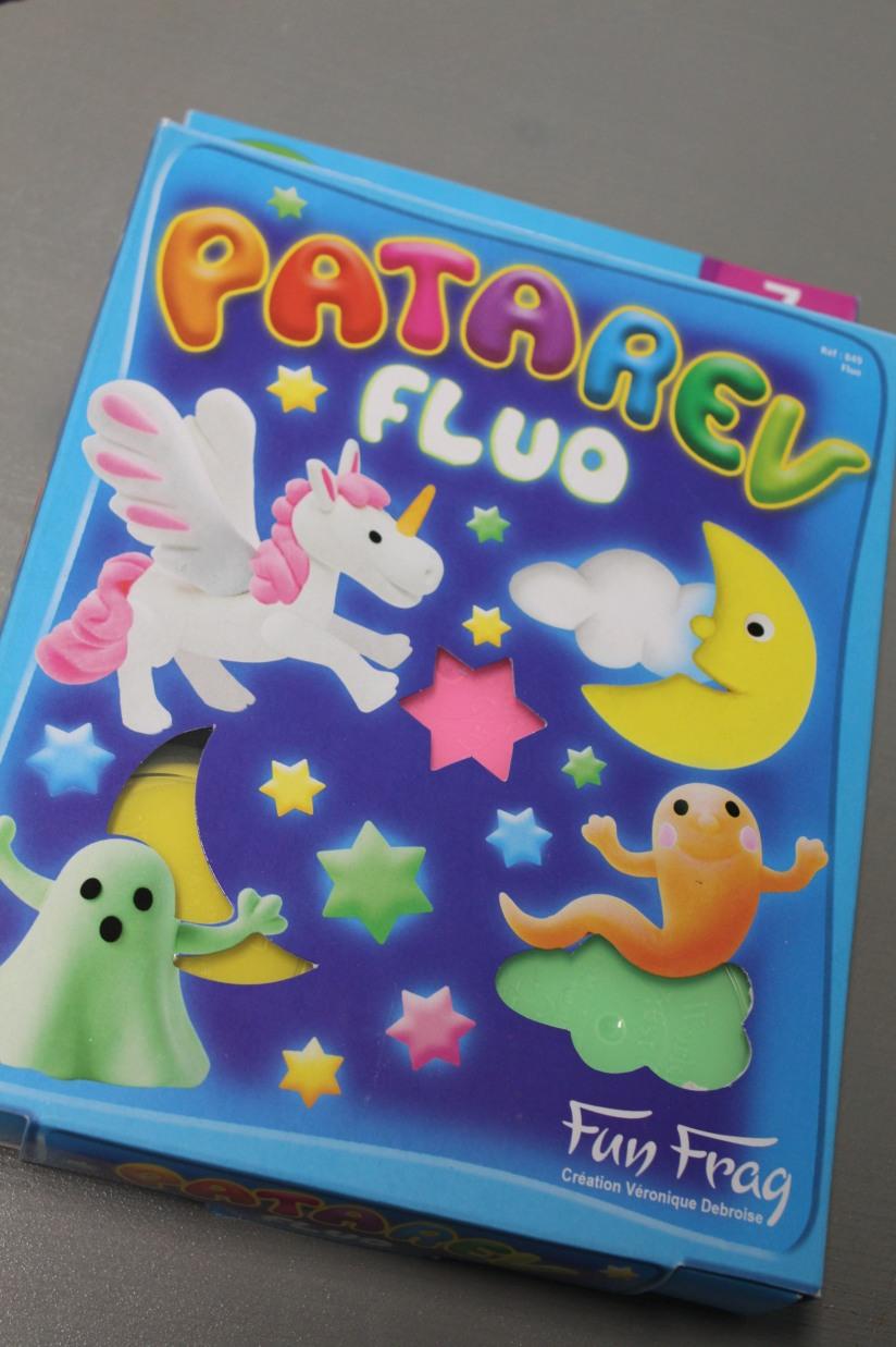 patarev-fluo-licorne-fantome-couleur-lumineux-brillant-phosphorescent-kit-pate-modeler