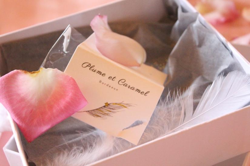 plume-et-caramel-gouter-anniversaire-enfant-haut-de-gamme-luxe-marie-antoinette-grand-hotel-evenementiel-bordeaux-marque-carte-boite-box