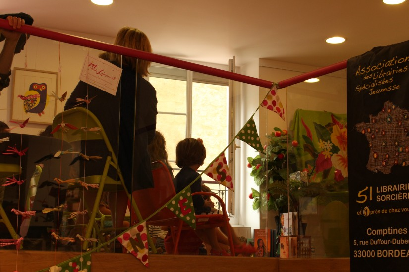 librairie-comptines-livres-vente-magasin-boutique-enfant-jeunesse-bordeaux-tram-animation-lecture-atelier-jeux