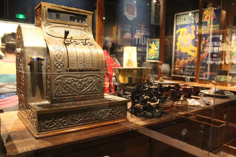 musee-aquitaine-histoire-bordeaux-prehistoire-romain-esclave-port-bateau-commerce-vin-pierre-enfant-jeux-pedagogique-ludique-livret-epicerie