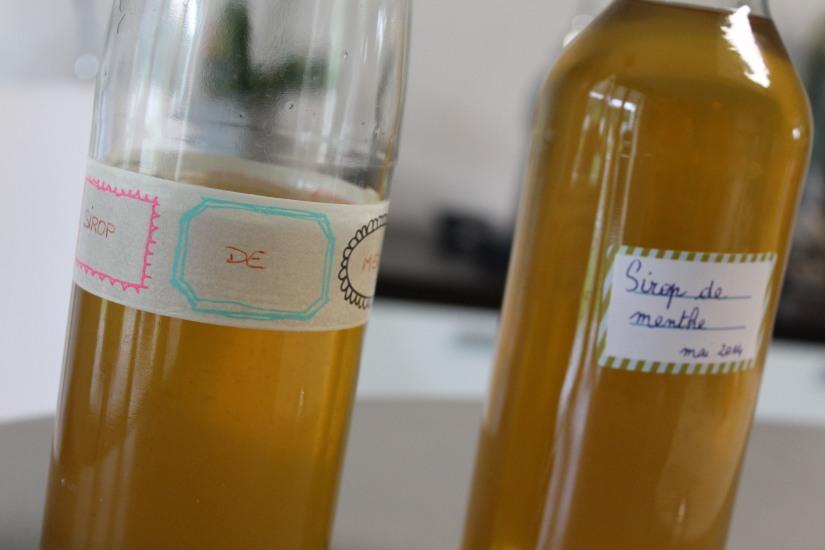 sirop-menthe-maison-bio-naturel-sucre-plante-bouteille-diy-cadeau-papa-steriliser