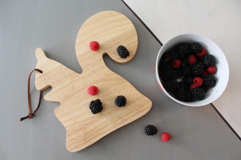 glace-mure-framboise-fruit-rouges-sorbet-naturel-bio-tupperware-moule-fait-maison-home-made-diy-enfant-été-vacances-ecureuil-monoprix-planche