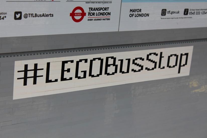 hamleys-bus-stop-arret-lego-magasin-jouet-brique-hashtag-legostore