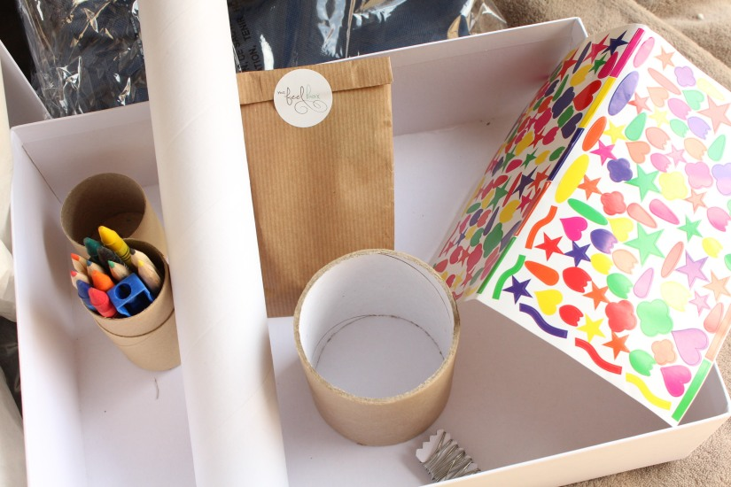 myfeelbox-myfeellife-diy-box-atelier-enfant-maman-creation-creative-manuel-loisir-materiel-jeu-produit-beaute-bio-boite-cadeau-mensuel-mois-couleur
