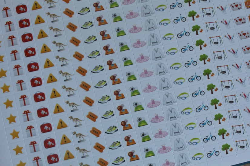 agenda-famille-maison-organisation-blog-rentree-classe-maman-enfant-rendez-vous-inscription-autocollant-stickers-pratique-planning