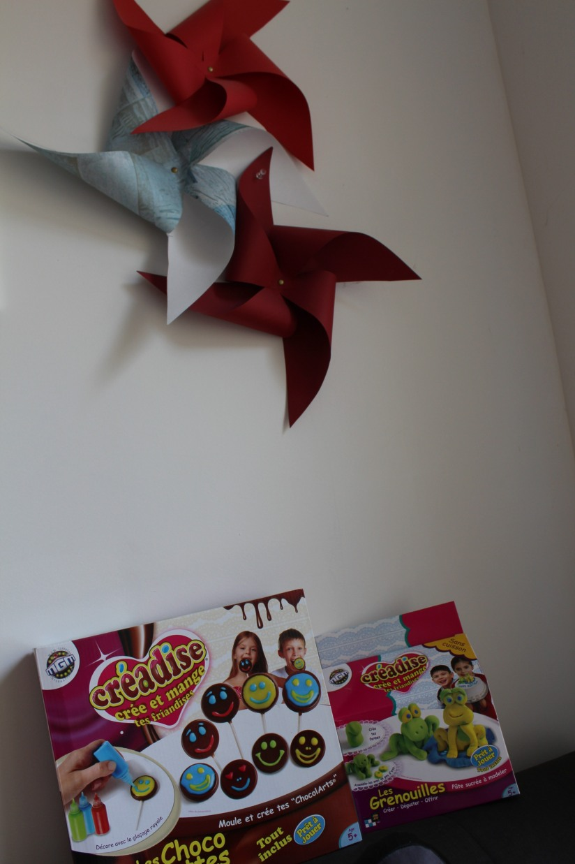 creadise-boite-bonbon-pate-modeler-comestible-gout-brochette-jeu-enfant-vacances-noel-anniversaire-atelier-creation-dinette-deco-chocolat-sucette-animaux-grenouille-cadeau-coffret