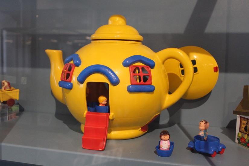 musee-de-enfance-v&a-londres-london-enfant-jouet-childhood-museum-collection-exposition-jeu-famille-visite-theiere-pteapotes