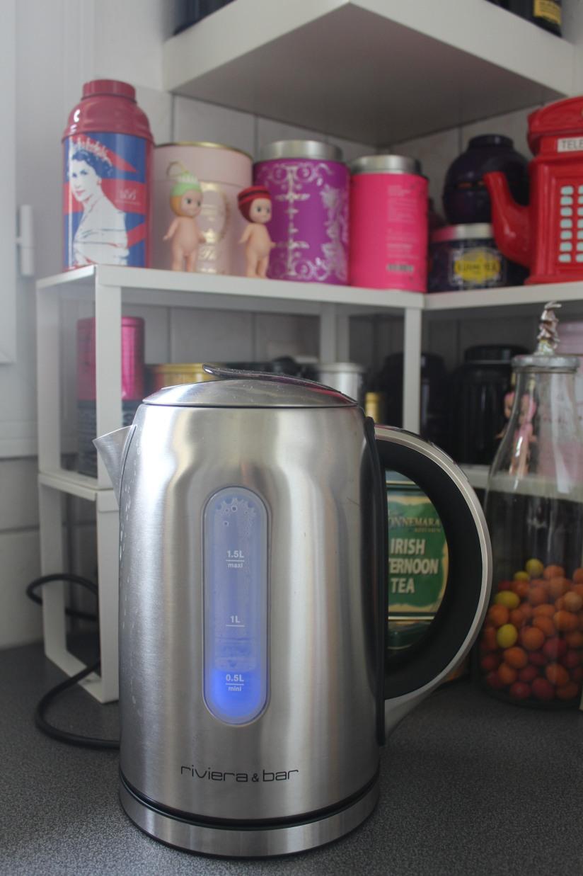 bouilloire-thé-tea-the-riviera-bar-theiere-palais-des-thes-mariage-freres-eau-bouillir-degres-controle-temperature-tasse-mug-collection-teatime