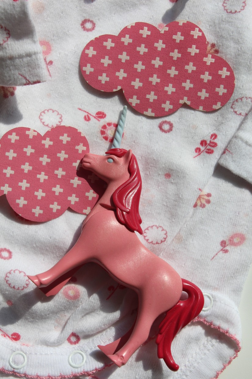 customisation-diy-tuto-body-prema-naissance-bebe-cadeau-facile-hema-thermocollant-tissu-forme-etoile-nuage-weloveprema-vertbaudet-montroucous-fille-licorne