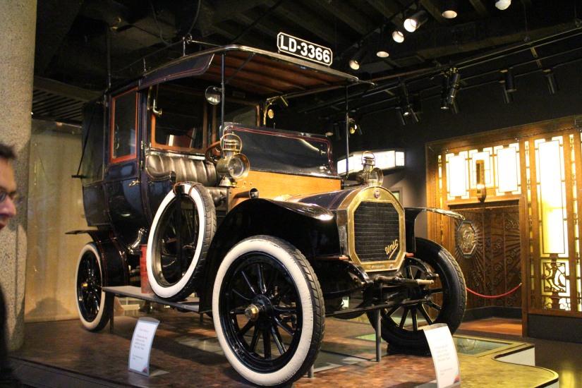 museum-of-london-musee-de-londres-histoire-enfant-sortie-decouverte-ludique-pedagogique-voyage-voiture-epoque-ancienne