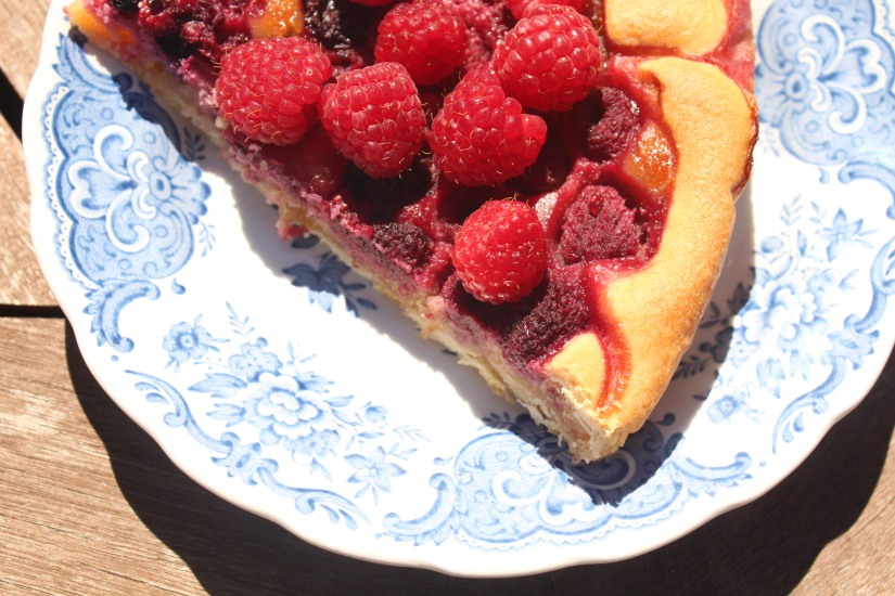 tarte-framboise-mures-fruits-rouges-bois-baies-jock-frangipane-recette-enfant-facile-assiette-anglaise