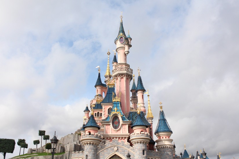 disneyland-paris-disney-parc-attractions-parade-octobre-halloween-mechant-gang-vilains-ratatouille-attente-conseil-babyswitch-single-riders-enfants-vacances-photopass-chateau-magique-magic
