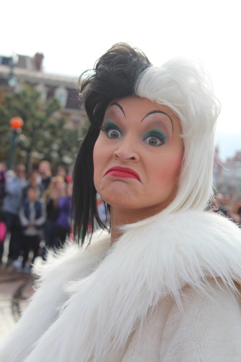 disneyland-paris-disney-parc-attractions-parade-octobre-halloween-mechant-gang-vilains-ratatouille-attente-conseil-babyswitch-single-riders-enfants-vacances-photopass-cruella