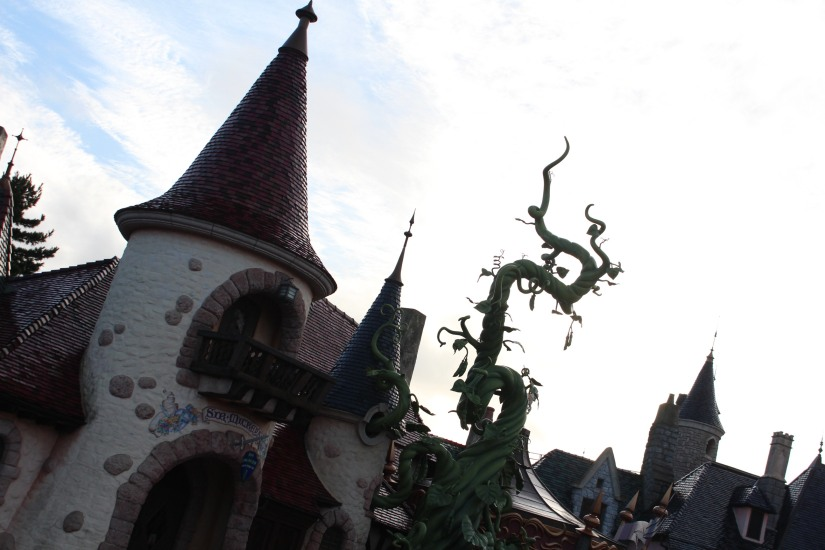 disneyland-paris-disney-parc-attractions-parade-octobre-halloween-mechant-gang-vilains-ratatouille-attente-conseil-babyswitch-single-riders-enfants-vacances-photopass-fantasyland