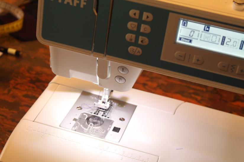 I-fil-good-atelier-couture-maman-future-jeune-debutant-machine-doudou-bavoir-animation-decouverte-cadeau-bordeaux-lormont-rive-droite-convivial-facile-electronique