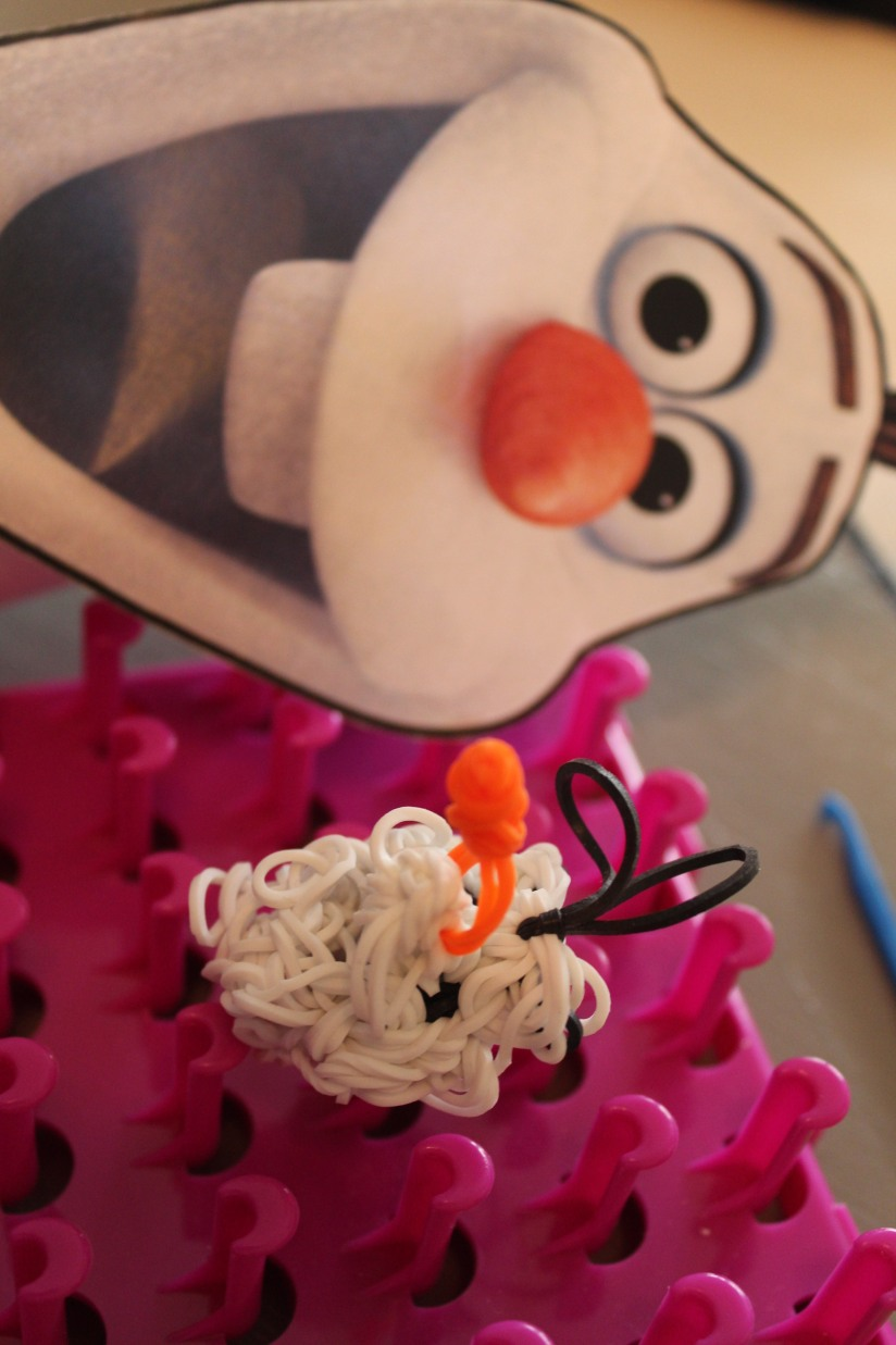 olaf-crazloom-personnage-metier-tisser-creation-reine-des-neiges-bonhomme-de-snow-frozen-elastique-head-tete-carotte-nez