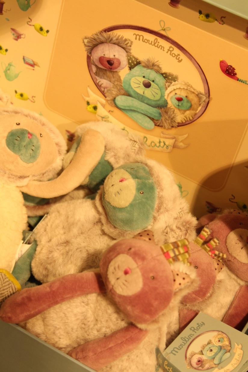 paulin-pauline-bordeaux-boutique-jouets-jeux-peluches-doudou-moulin-roty-bébé-naissance-gigoteuse-vetement-collection-animaux