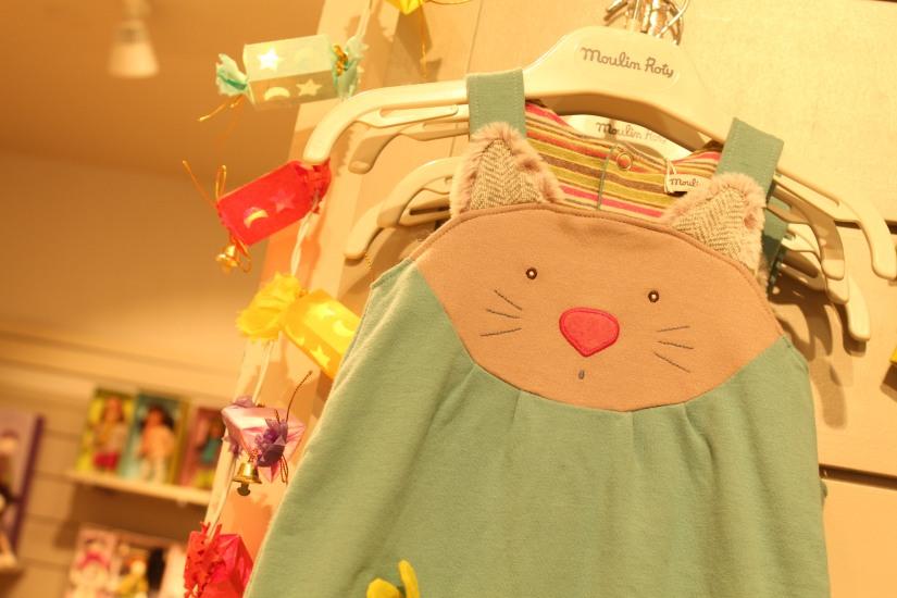 paulin-pauline-bordeaux-boutique-jouets-jeux-peluches-doudou-moulin-roty-bébé-naissance-gigoteuse-vetement-panda-hiver-automne-guirlande