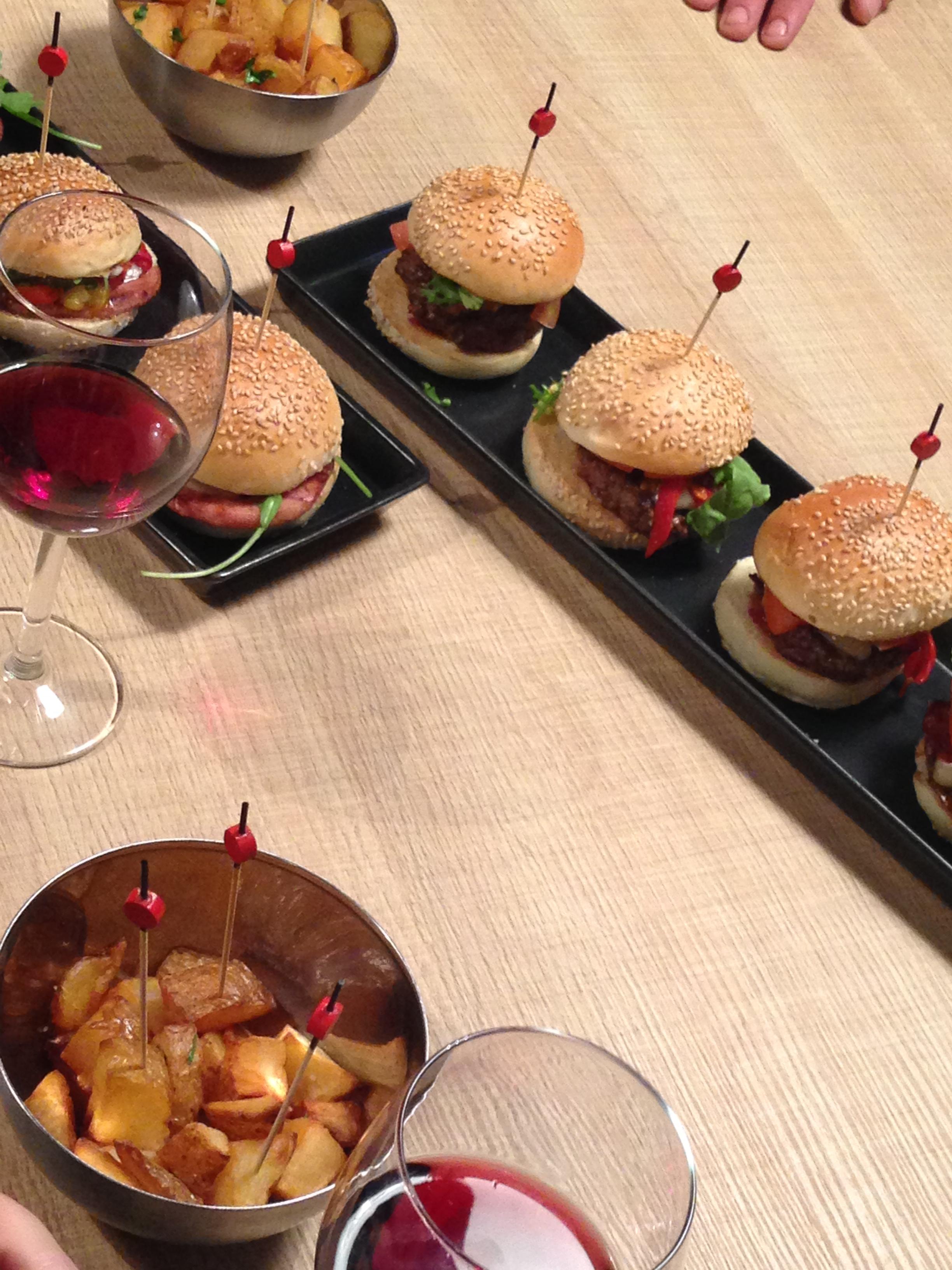 french burgers le retour de la vengeance du hamburger toil sur bordeaux. Black Bedroom Furniture Sets. Home Design Ideas