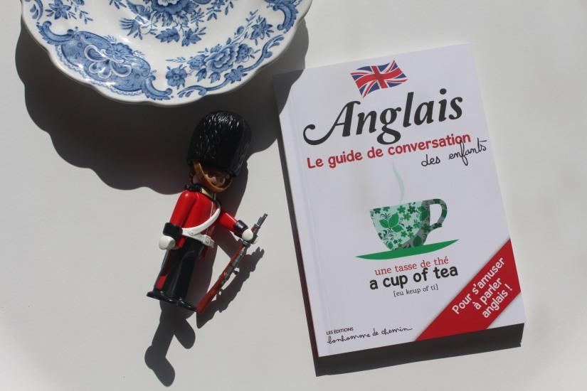 guide-conversation-anglais-langue-phrase-mot-enfant-voyage-londres-angleterre-bonhomme-de-chemin-editions-livre-playmobil-soldat-royal
