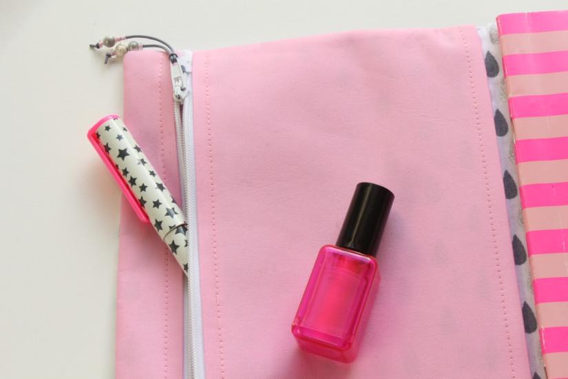 au-fil-des-songes-porte-clé-clef-bijou-sac-couture-accessoires-creatrice-internet-creation-cadeau-noel-maitresse-cahier