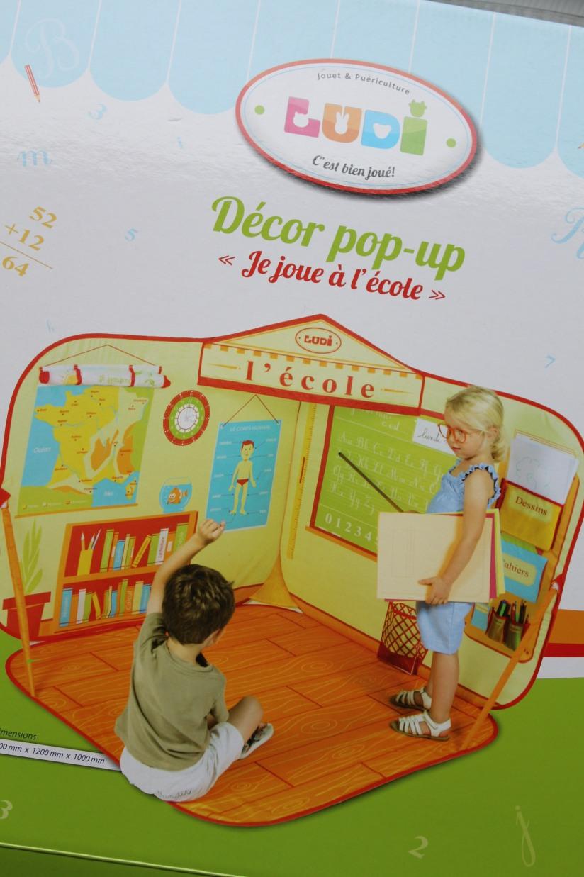 ludi-cabane-pop-up-tente-ecole-maitresse-jeu-jouer-jouet-enfant-pratique-gain-place-rangement