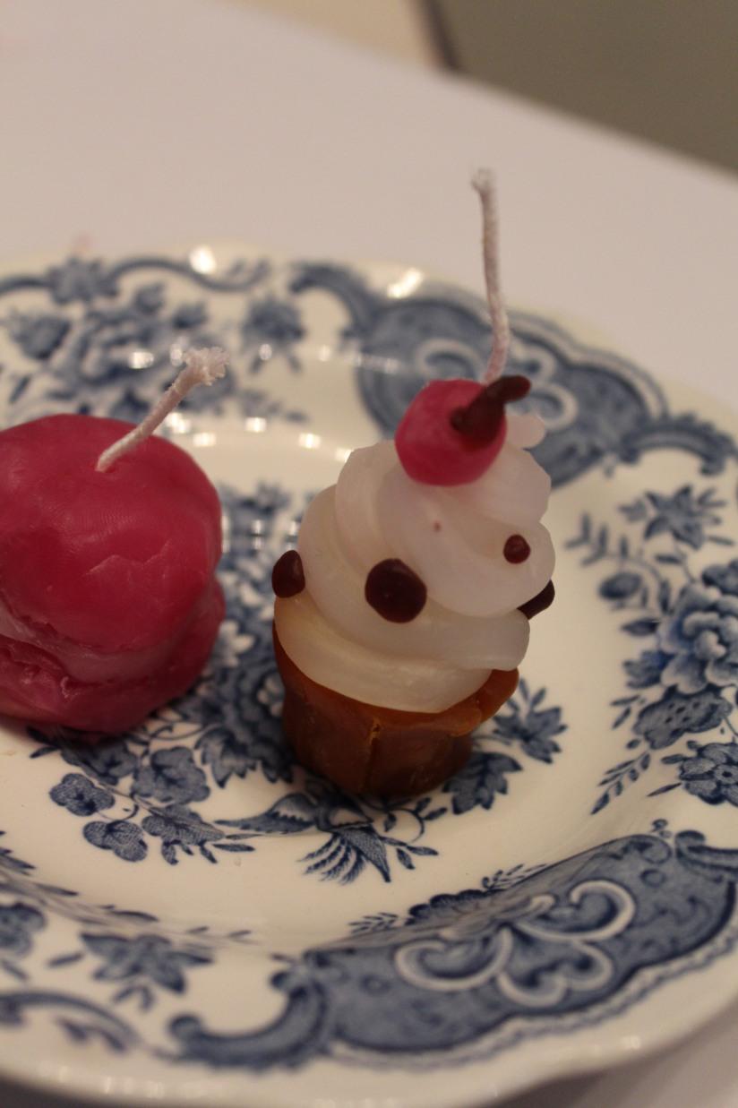 bougie-modeler-pate-cire-enfant-jeu-jouet-loisir-creatif-facile-cadeau-anniversaire-art-y-deco-lezard-gourmandise-gateau-pteapotes-lydie-cupcake