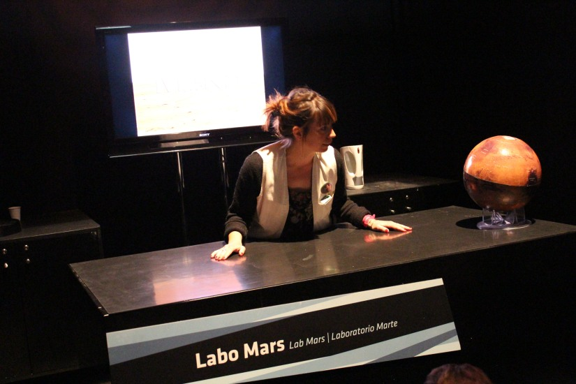 capsciences-odysee-espace-planete-systeme-solaire-lune-mars-simulateur-explication-exposition-decouverte-visite-science-scientifique-enfant-bordeaux-experience-labo-animation
